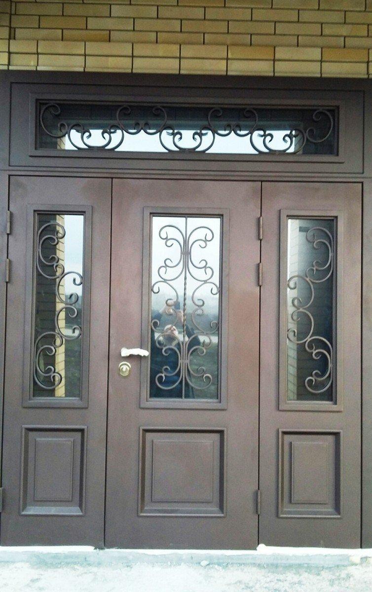 Трехстворчатая дверь
