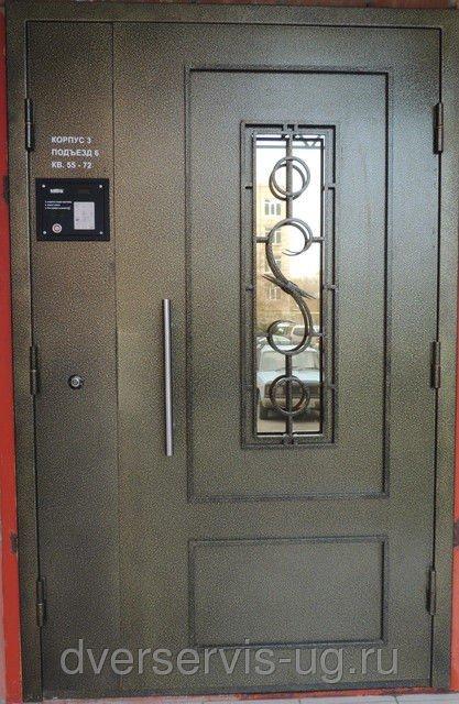 Дверь с ковкой Вилла