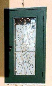 Дверь с ковкой по индивидуальному проекту