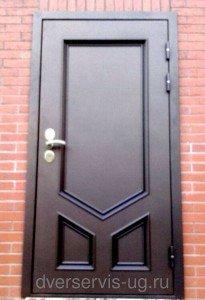 Стальная входная дверь с филенками