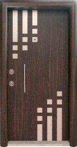 Входная дверь с молдингами 039