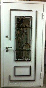 Дверь с ковкой Ясень