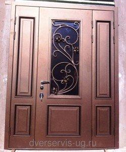 Входная парадная дверь с ковкой на заказ