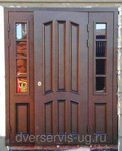 Входная парадная дверь с остеклением на заказ