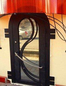 Арочная дверь со стеклом